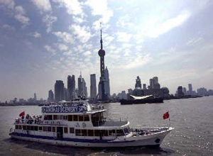 Cruise in Huangpu River
